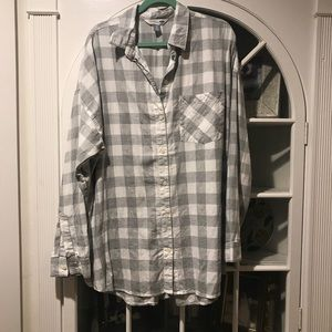 LIGHTLY WORN Boyfriend Fit Plaid Button Down!